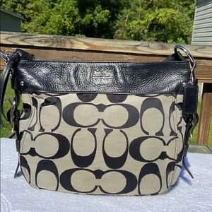 Coach black signature bag excellent shape